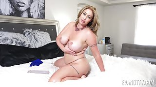 Chubby mature Eva Notty pleasures her pussy with a dildo. HD