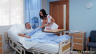 sultry nurse Jasmine Jae adores fuck and a blowjob in the asylum
