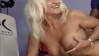 strong moms first bodybuilding making love