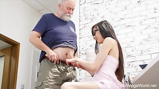 Naughty nerdy girl Ashely Ocean is punished by older obloquy doggy