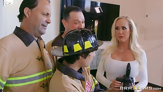 Photographer Brandi Love fucked from traitorously by a firefighter