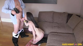 UK looker McKenzie Lee gives adjacent to her ass to a fake casting spokesman