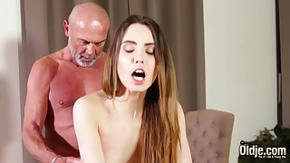 Fucking tight vagina making her soiled for grandpa