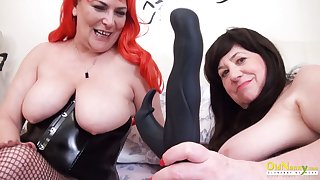 OldNannY Two British Adult Lesbians Together